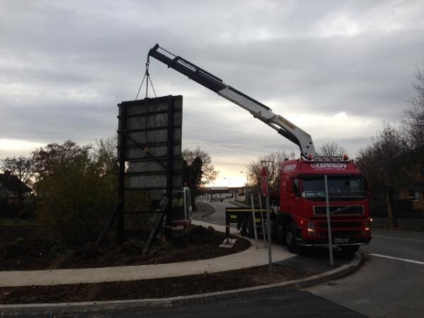 Truck mounted crane lift