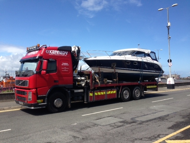 Transport boat haulage red
